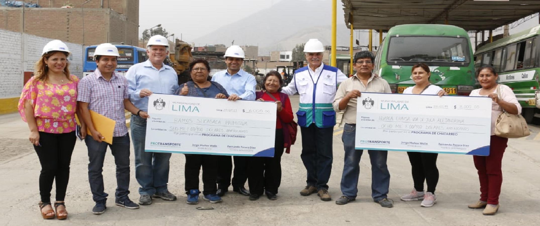 MUNICIPALIDAD DE LIMA ENTREGÓ MÁS DE 60 MIL DÓLARES A BENEFICIARIOS DEL CHATARREO